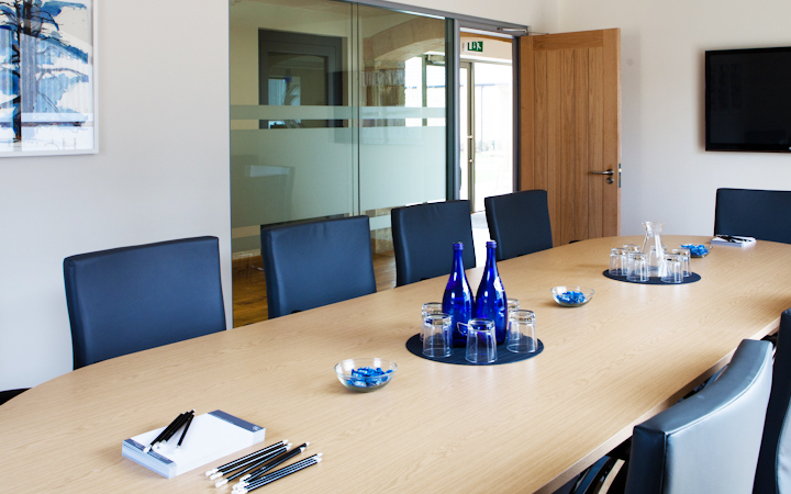 The Boardroom (2-12 people)